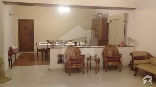 کے ڈی اے سکیم 1 کراچی میں 5 کمروں کا 2.03 کنال مکان 24.5 کروڑ میں برائے فروخت۔