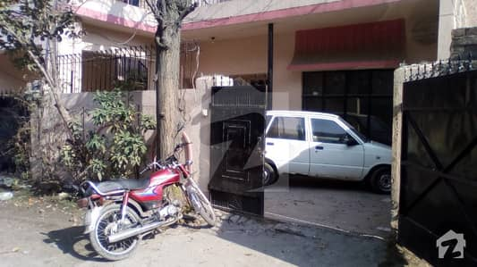 10 Marla Double Storey Facing Park  House For Sale
