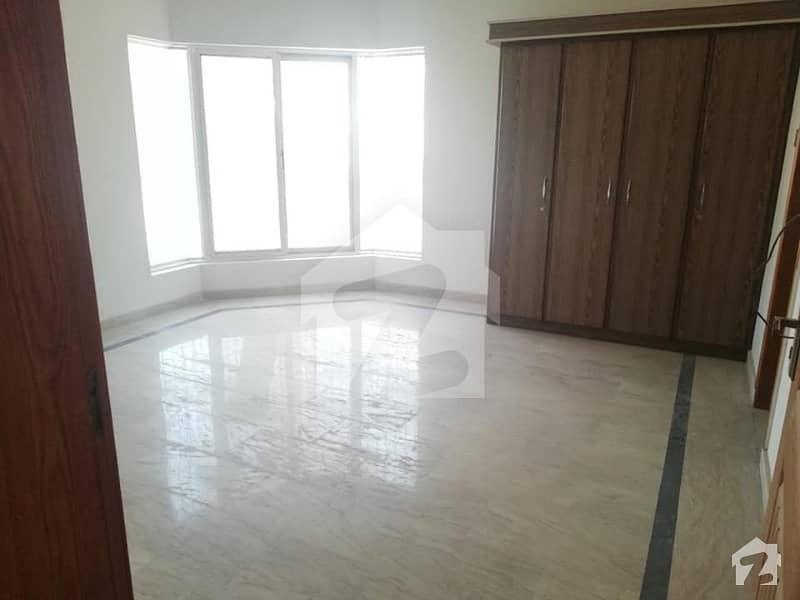 جیون سٹی ہاؤسنگ سکیم ساہیوال میں 4 کمروں کا 6 مرلہ مکان 37 ہزار میں کرایہ پر دستیاب ہے۔