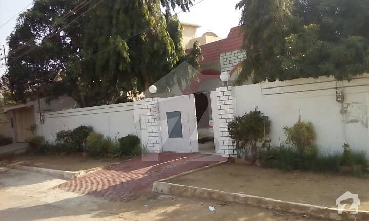 گلشنِ معمار - سیکٹر وی گلشنِ معمار گداپ ٹاؤن کراچی میں 3 کمروں کا 18 مرلہ زیریں پورشن 2. 85 کروڑ میں برائے فروخت۔