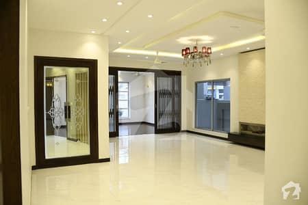اسٹیٹ لائف ہاؤسنگ فیز 1 اسٹیٹ لائف ہاؤسنگ سوسائٹی لاہور میں 5 کمروں کا 1 کنال مکان 3.25 کروڑ میں برائے فروخت۔