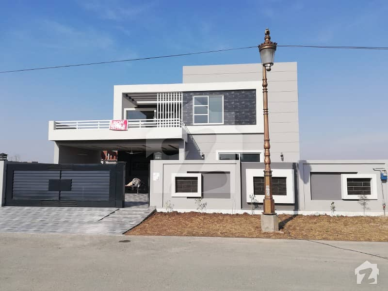 1 Kanal Beautiful New House For Sale