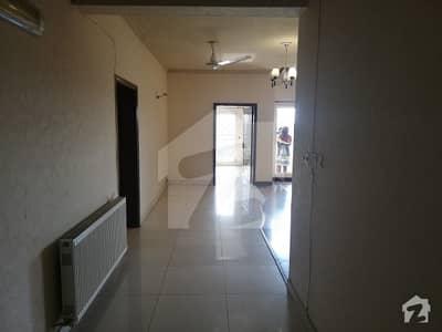 F11 karakoram enclave 1 apartment 4 beds for rent