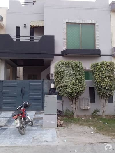 Beautiful 5 Marla Upper Portion For Bachelors For Rent  In Dha Phase 5