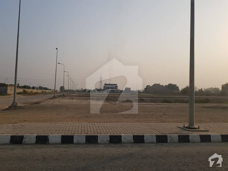 1 Kanal Plot On 60 Feet Road In Golf Estate 2 Executive Class In Lake City  Sector M4