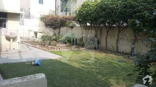 Cantt Estate Offer 28 Marla Old House For Sale In Main Cantt