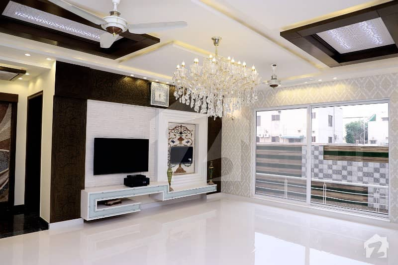 Soneri Estate Offer 1 Kanal Slightly Used Galleria Design Royal Place Out Class Modern Luxury Bungalow In DHA Phase V