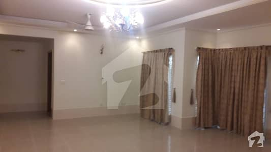 Beautiful 1 Kanal Bungalow For Rent  In Dha Defence Phase 3