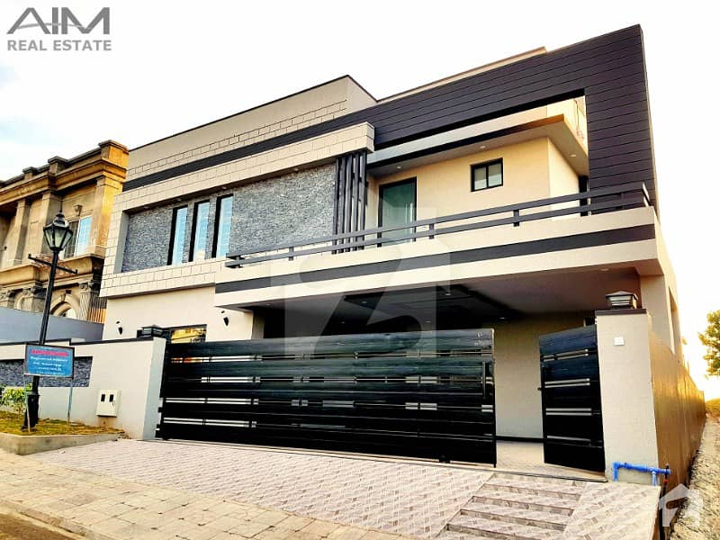 Luxury 1 Kanal House Is For Sale On Heighted Location