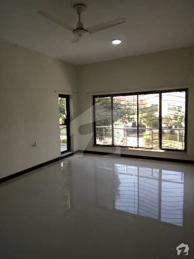 F10  555 Sq Yd Beautiful Full House For Rent