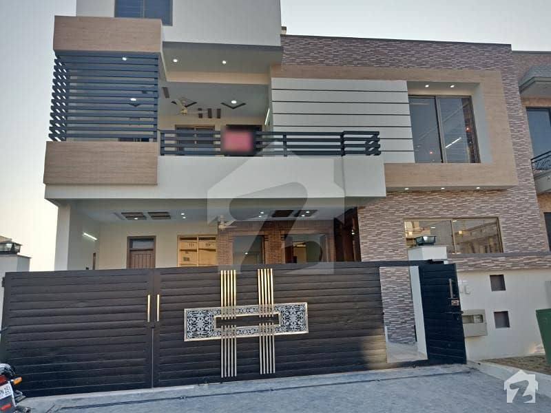 13 Marla Brand New 3 Storey For Sale