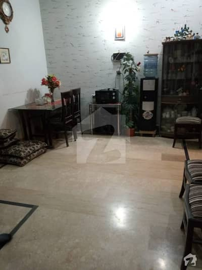 400 Sq Yards House For Sale Hot Location