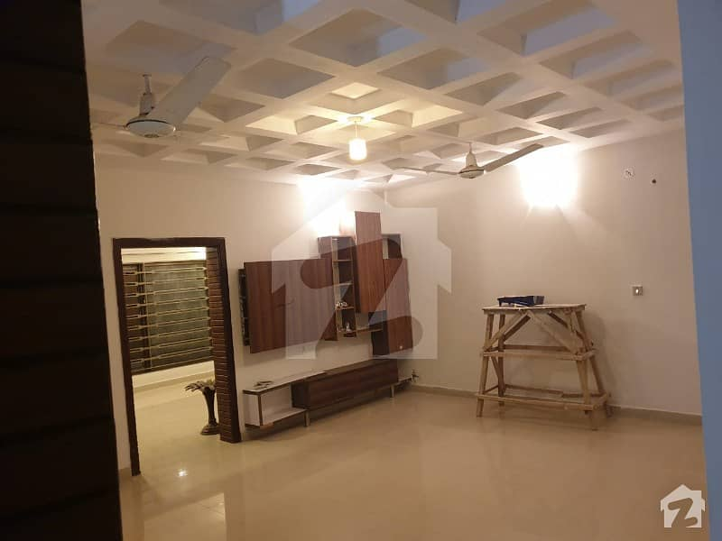 F-11 Luxury Fully Unfurnished Apartment For Rent