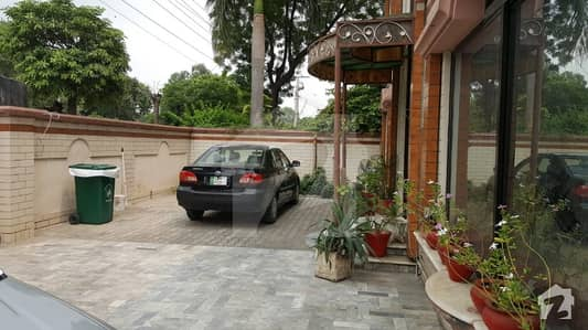 One Kanal Corner House For Sale