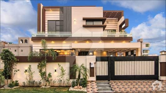 Luxurious Corner House In Valencia  Block K1