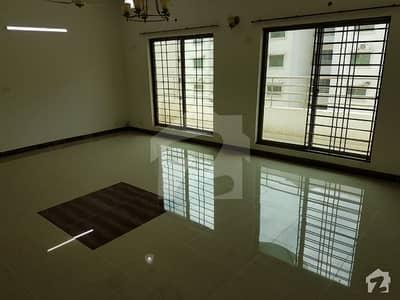 عسکری 11 عسکری لاہور میں 4 کمروں کا 12 مرلہ فلیٹ 1.7 کروڑ میں برائے فروخت۔