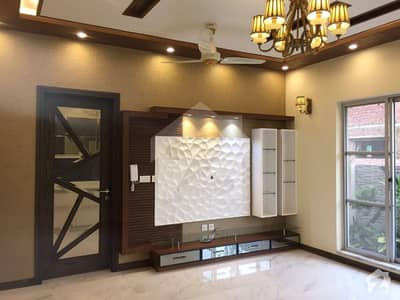 10 Marla Designer Bungalow Double Lobby On Cost Price Urgent Sale Top Location
