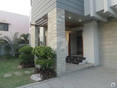 1000 yard like a brand new house for sale Phase 6