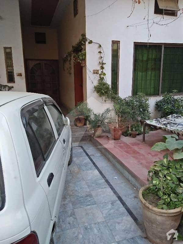 8 Marla House In North Gulgasht  For Sale