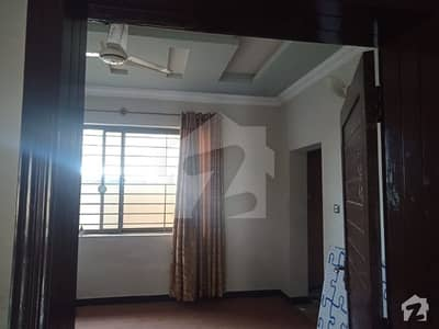 حبیب اللہ کالونی ایبٹ آباد میں 2 کمروں کا 11 مرلہ زیریں پورشن 33 ہزار میں کرایہ پر دستیاب ہے۔