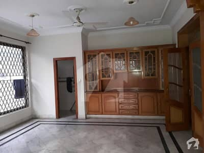 A beautiful 666 sy full house for rent in F11