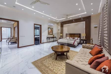2000 yards Almost New Bungalow available for sale