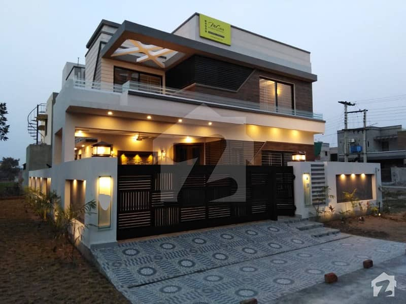 10  Marla Brand New House  is for Sale with well finishing