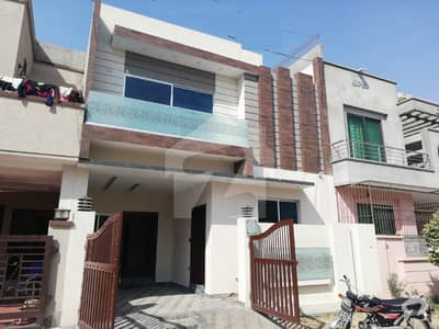 Leads Offer 5 Marla Brand New Bungalow For Sale At Reasonable