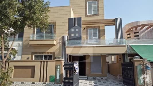 10 Marla Solid Construction Prime Location Bahria Town Lahore