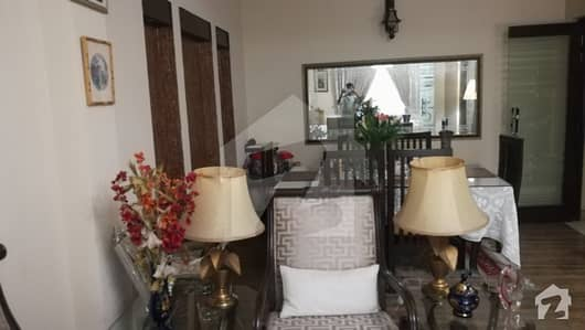 12 Marla Slightly Used House For Sale With 6 Bedrooms 3 Kitchen And Servant Quarter
