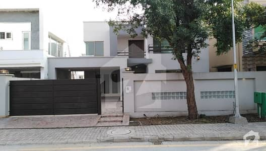Old Double Storey House For Sale At Good Loocation