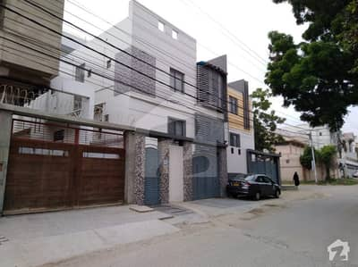 Cc38 300 Sq Yard Portion For Sale With Roof On 1st Floor In Pechs Block 2