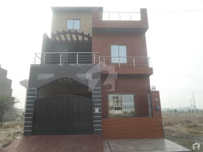 House Is Available For Sale  In Pgshf Colony Satiana Road