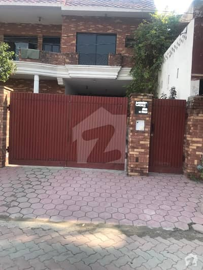 01 KANAL LOWER PORTION IS AVAILABLE FOR RENT IN CANAL VIEW