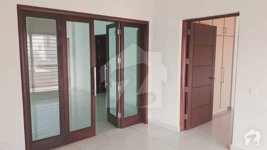 1KANAL LOWER PORTION AT VERY LOW RATE AVAILABLE FOR RENT AT DHA PHASE 3
