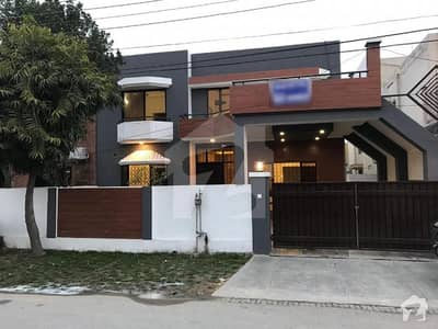 عسکری 8 عسکری لاہور میں 3 کمروں کا 10 مرلہ مکان 2. 5 کروڑ میں برائے فروخت۔