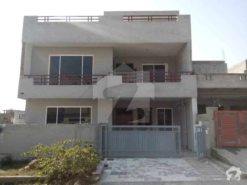 زون 5 اسلام آباد میں 4 کمروں کا 11 مرلہ مکان 1. 7 کروڑ میں برائے فروخت۔