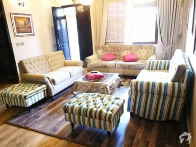 250 Yard One Unit House Is Available For Sale