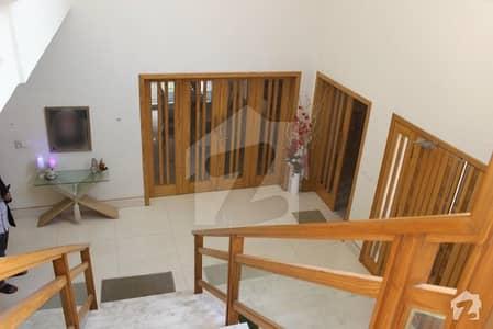 لیک سٹی ۔ سیکٹر ایم ۔ 3 لیک سٹی لاہور میں 7 کمروں کا 2 کنال مکان 7.2 کروڑ میں برائے فروخت۔