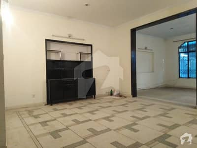 4 BED ROOM UPPER PORTION AVAILABLE FOR RENT IN MARGHZAR COLONY