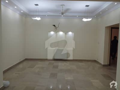 F-11 Kara Karam Enclave 04 Bedrooms Drawing Dining Specious Tv Lounge Servant Room Store Flat   For Rent