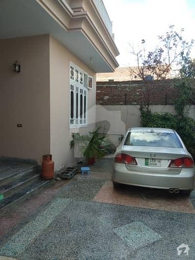 محلہ صوفی پورہ منڈی بہاؤالدین میں 6 کمروں کا 10 مرلہ مکان 1. 1 کروڑ میں برائے فروخت۔