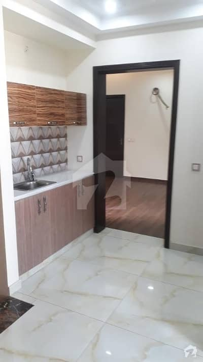 10 Marla new house fully furnished for rent