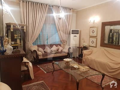 Cantt Estate Offer 1. 3 Kanal Fully Furnished Old House For Rent In Main Cantt