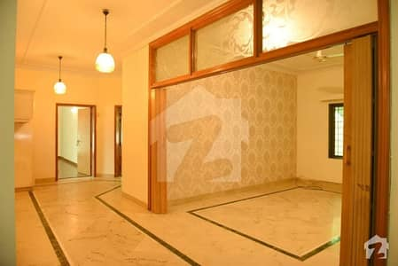 Prime Location 10 Marla House Is Available For Rent In Overseas A Bahria Town