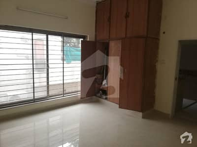 1 Kanal Renovated  Upper Portion With Separate Gate In Main Cantt