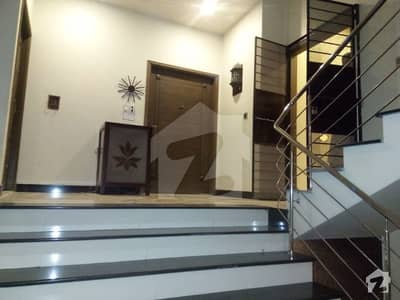 3 Bed Apartment Luxury Apartment with Lift and Car Parking