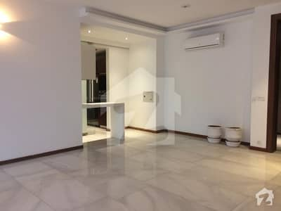 Main Gulberg 3 Bed Luxuary ground floor Apartment for Residence is available on Rent