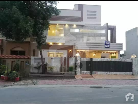 10 Marla Beautiful Corner House For Sale In Nfc -1