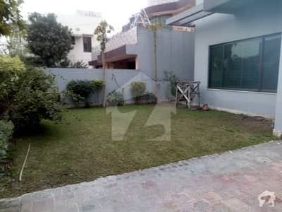 100% Original Pictures 1 Kanal Brand New Modern Luxury Bungalow For Rent